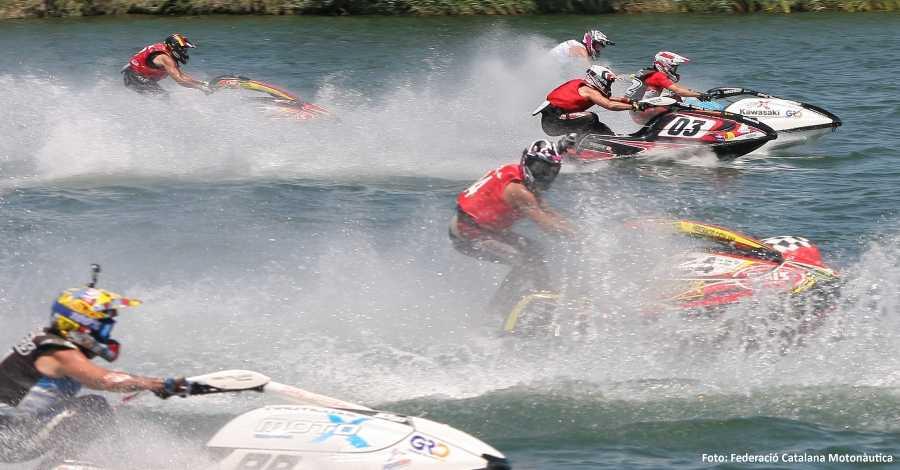 Amposta acull la sisena regata del Campionat de Catalunya de motos aquàtiques