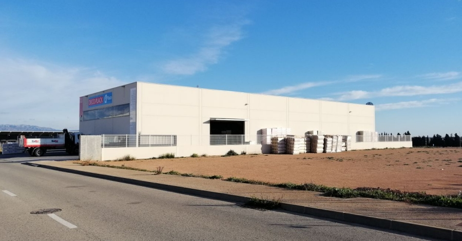 L'Ajuntament ven una parcel·la de 3.500 metres quadrats de l'Oriola per a l'ampliació d'una empresa ampostina