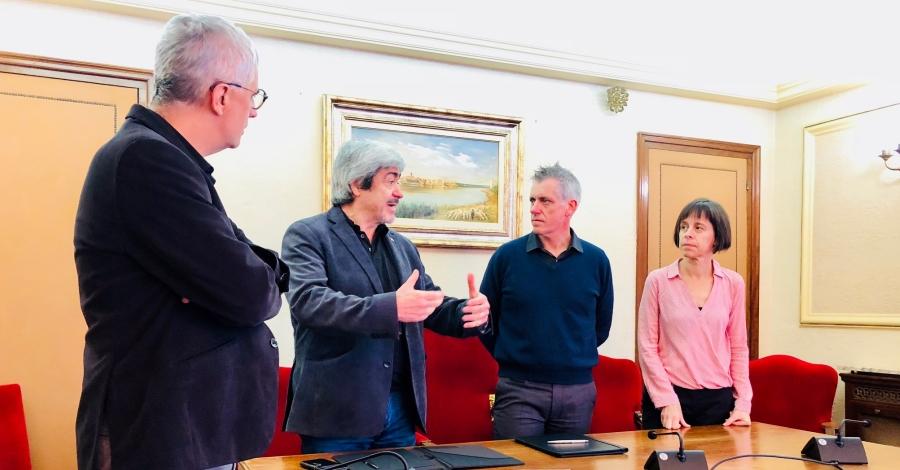 L'Ajuntament d'Amposta i Amical Mauthausen signen un conveni de col·laboració per al recuperació de la memòria històrica