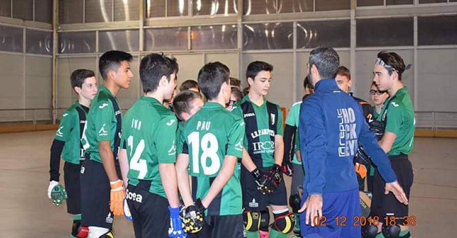 L'ampostí Xavi Costa imparteix una masterclass al Club Hoquei Amposta | Amposta.info