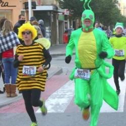 La Sant Silvestre torna a omplir de corredors els principals carrers de la ciutat per acomiadar el 2016