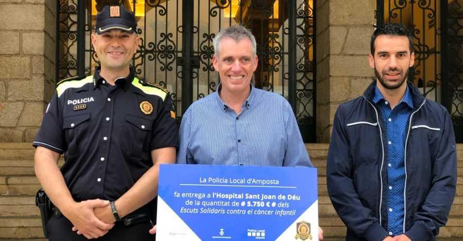 La Policia Local d'Amposta recapta 5.750 euros per a l'Hospital Sant Joan de Déu dins a campanya #pelsvalents