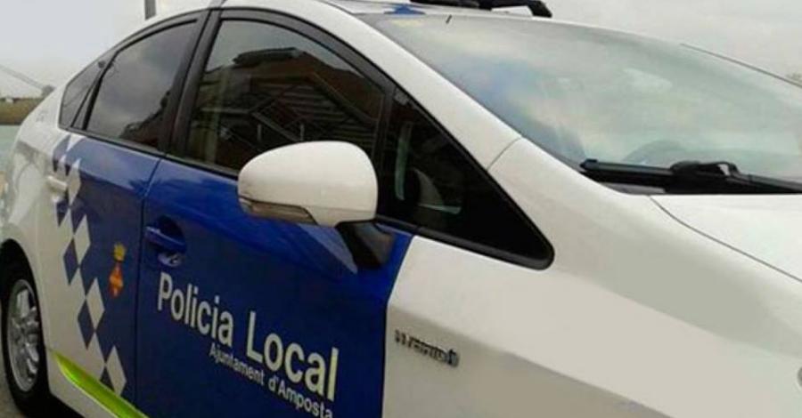 Detingudes dos persones mentre intentaven robar en un bloc de pisos deshabitat