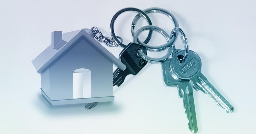 Amposta incorpora 9 habitatges més per a lloguer social provinents de bancs