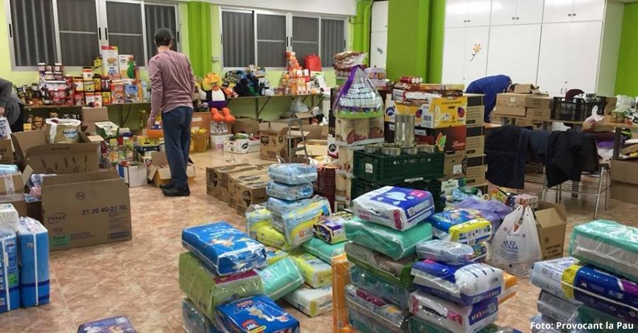 Provocant la Pau recull 400 caixes d'aliments i productes bàsics per als refugiats d'Atenes